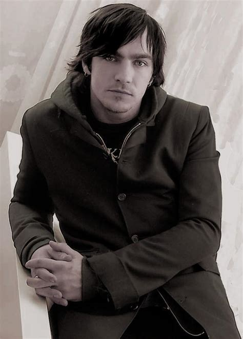 three lead singer adam gontier