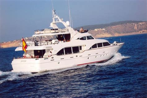 yacht in spanish yachts for sale flag spanish worth avenue yachts