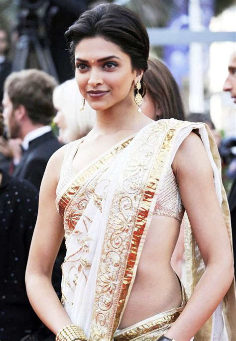 deepika padukone saree top hd bollywood wallapers deepika padukone in saree