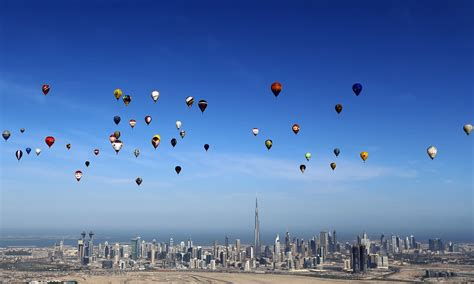 air si鑒e aerobatics abound adrenaline pumps at dubai air
