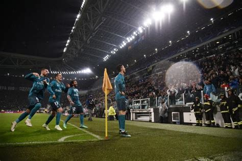 ronaldo juventus standing ovation fan footage captures moment juventus fans give cristiano ronaldo a standing ovation for