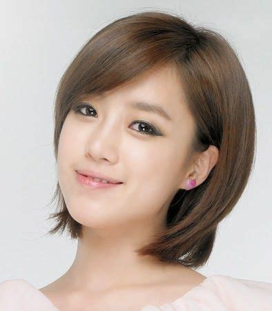 model rambut pendek wanita terbaru  wajah bulat