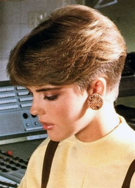 short 80 blown back hair styles women 80s short hairstyles alanlisi com alanlisi com