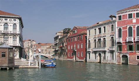 walking 30 walking tours exploring historical legacies neighborhood culture side streets and waterways books cannaregio walking tour venice italy