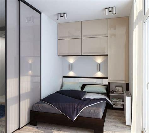 Cermin Kamar Tidur memaksimalkan gaya dan desain pada kamar tidur mungil arsitag