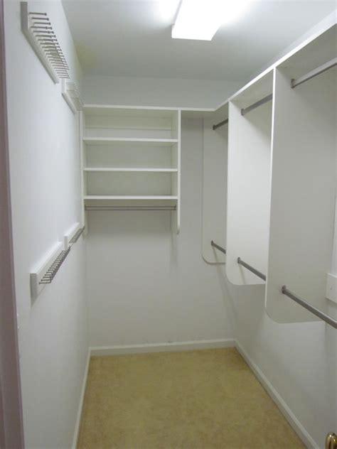Narrow Closet Solutions by Traditional Closet