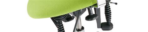 stuhl gegen rückenschmerzen bandscheibenstuhl mit bioswing gegen r 252 ckenschmerzen