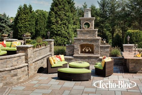 outdoor living foyer fireplace by techo bloc