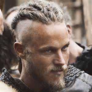 what is going on with travis fimmels hair in vikings the vikings serie google zoeken handsome men