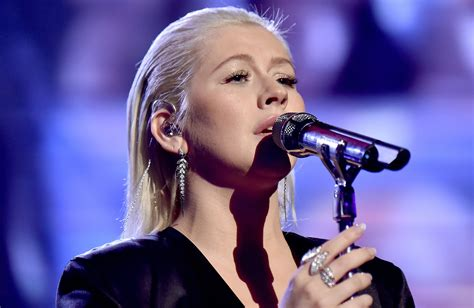 whitney houston house music american music awards 2017 christina aguilera performs tribute to whitney houston