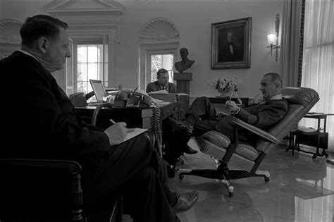 Office Chair Wiki file oval office lbj 2 jpg