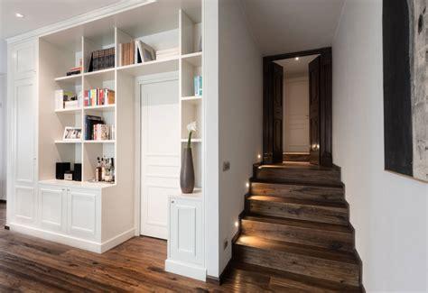 pareti ingresso come trasformare il corridoio in una pratica libreria