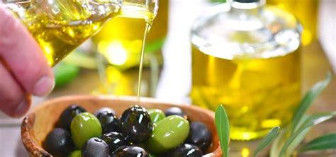 Minyak Zaitun Yg Bisa Diminum minyak zaitun bisa meredakan sembelit lho begini caranya