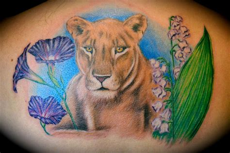lioness amp flowers by ryan el dugi lewis tattoonow