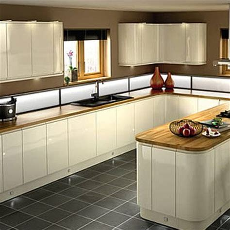 Wickes Kitchen Design by Kitchen Compare Com Compare Retailers Cream Gloss