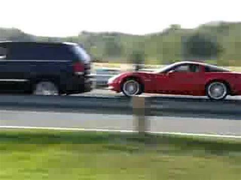 Jeep Vs Corvette by Z06 Corvette Vs Srt8 Jeep