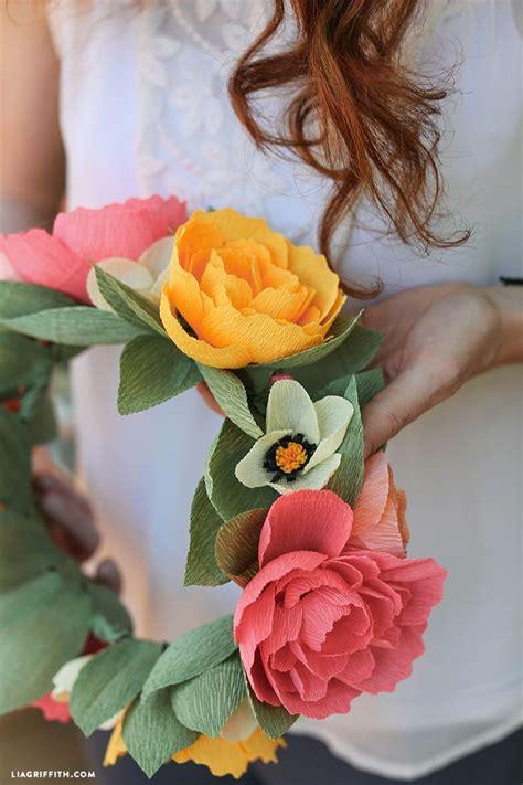 diy paper flower crown tutorial diy crepe paper flower crown with free printable template