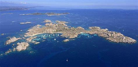 excursion catamaran ile lavezzi voyages et s 233 jours en kayak de mer en corse du sud