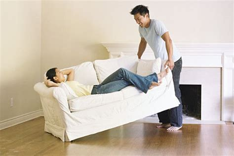 couch movers how to