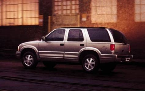 how to work on cars 2001 oldsmobile bravada engine control used 2001 oldsmobile bravada for sale pricing features edmunds