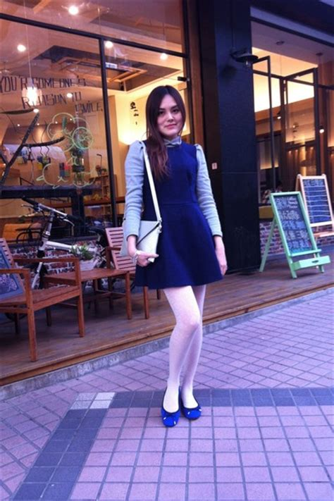 blue shoes navy dresses white tights silver bags