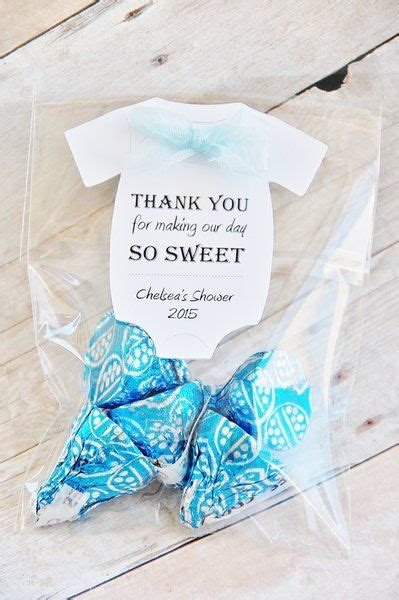 Richie Donates Baby Shower Gifts To Charity by 25 Best Ideas About Baby Shower Thank You On