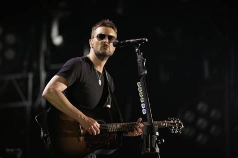 eric church fan eric church surprises fans with 61 days in church live
