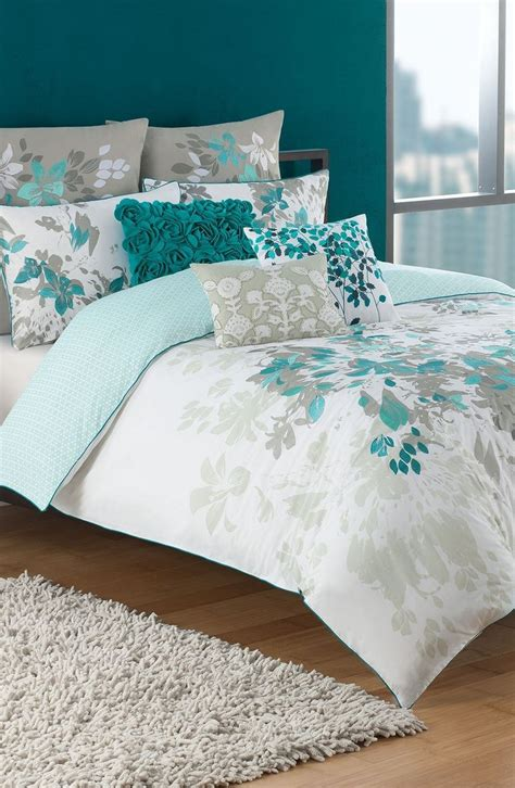 teal and white bedding 25 best ideas about teal master bedroom on pinterest