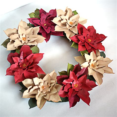 Make Paper Wreath - make a paper poinsettia wreath