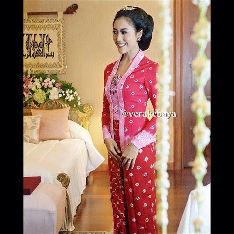 Kebaya Klasik 1 1000 images about batik on batik dress kebaya and indonesia