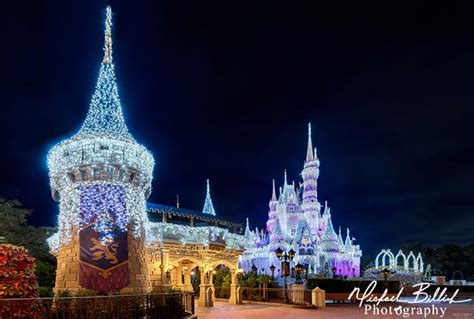 christmas lights on cinderella castle on mvmcp night