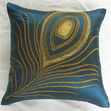 Decorative Pillows Get New Appearance With Decorative Pillow Covers