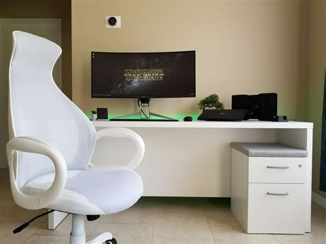 minimalist desk setup ultimate minimalist desk setup tour featuring the razer