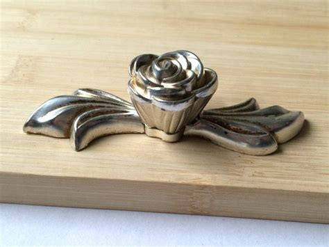 Antique Drawer Handles Nz by 2 5 Quot Shabby Chic Dresser Drawer Pulls Handles Antique Silver Flower 64 Mm Cabinet Knobs