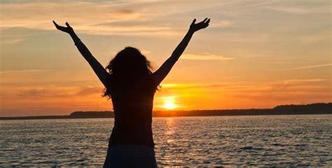 imagenes de mujeres reunidas orando las personas agradecidas son m 225 s felices noticias para