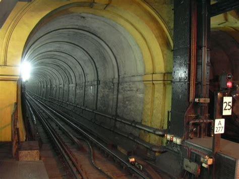 thames river underground essential world architecture images isambard kingdom brunel