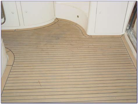 Camo Floor Covering For Boats   Flooring : Home Design