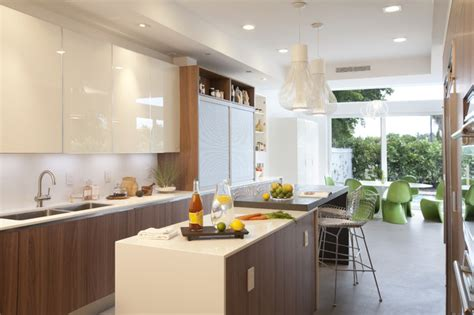 Modern Kitchen Cabinets Miami A Modern Miami Home Modern Kitchen Miami By Dkor Interiors Inc Interior Designers