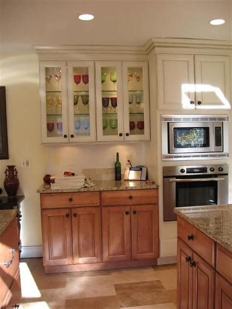 lower kitchen cabinets 258 best images about updating cabinets color and soffit