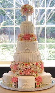 """1000  images about """"Extravagant"""" Cakes on Pinterest"""