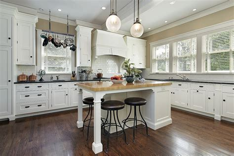 26 Gorgeous White Country Kitchens Pictures Designing Idea Country Kitchens With White Cabinets