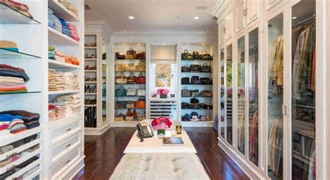 Livingroom Theater Boca by Inside Celebrity Homes Gigi Hadid S Outstanding Malibu