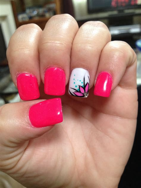 flower design nail polish hot pink nails with flower design nail polish