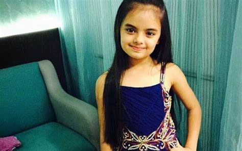 cute ruhi hd wallpaper ruhanika dhawan aka ruhi biography wallpaper image photos