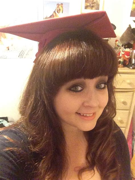 graduation hairstyles with bangs graduation caps with bangs girls with bangs for graduation