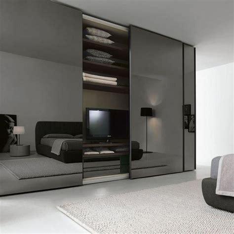 Cermin Studio ide dekorasi cermin di kamar tidur