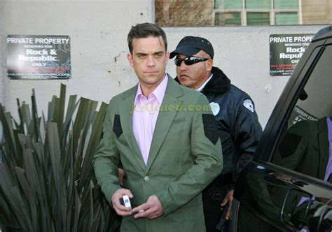 Robbie Williams In Rehab by Robbie Williams Pulls A Photo 2416131 Robbie