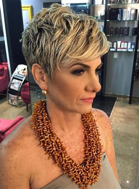 should women in their 40s wear short pixie cuts 78 gorgeous hairstyles for women over 40