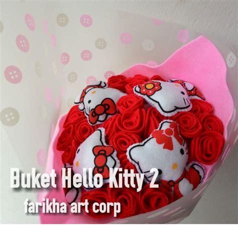 Buket Boneka Hellokitty Buket Bunga Handbouqet kado boneka hello dan bunga mawar farikha corp