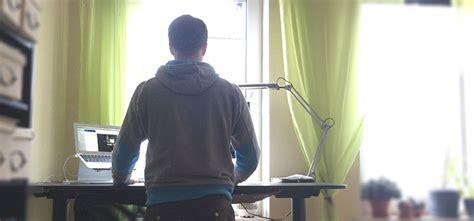 höhenverstellbare schreibtische test wohnzimmer als bar einrichten